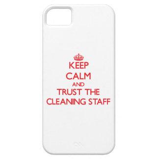 Guarde la calma y confíe en al personal de limpiez iPhone 5 Case-Mate cobertura