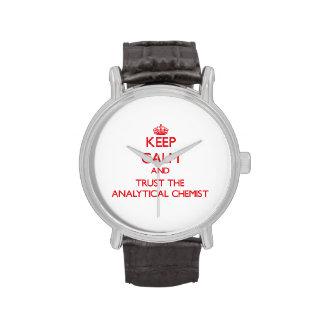 Guarde la calma y confíe en al químico analítico relojes de mano
