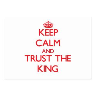 Guarde la calma y confíe en al rey plantillas de tarjeta de negocio