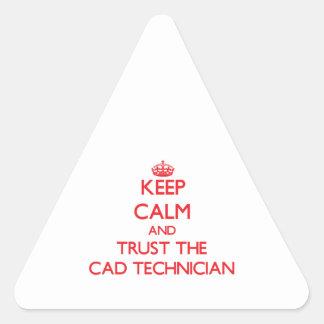 Guarde la calma y confíe en al técnico del cad pegatina triangular