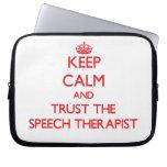 Guarde la calma y confíe en al terapeuta de discur fundas ordendadores