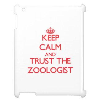 Guarde la calma y confíe en al zoologista