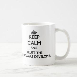 Guarde la calma y confíe en el analista de taza