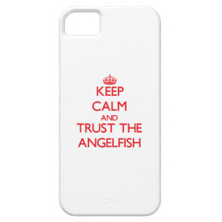 Guarde la calma y confíe en el Angelfish iPhone 5 Case-Mate Cárcasas