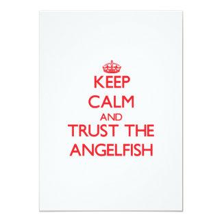 """Guarde la calma y confíe en el Angelfish Invitación 5"""" X 7"""""""