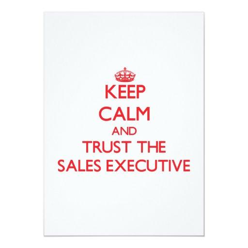 """Guarde la calma y confíe en el ejecutivo de ventas invitación 5"""" x 7"""""""