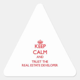 Guarde la calma y confíe en el promotor inmobiliar pegatinas trianguladas personalizadas