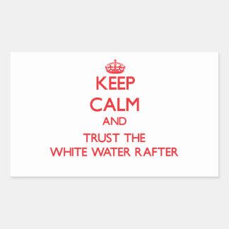 Guarde la calma y confíe en el viga del agua blanc rectangular pegatina