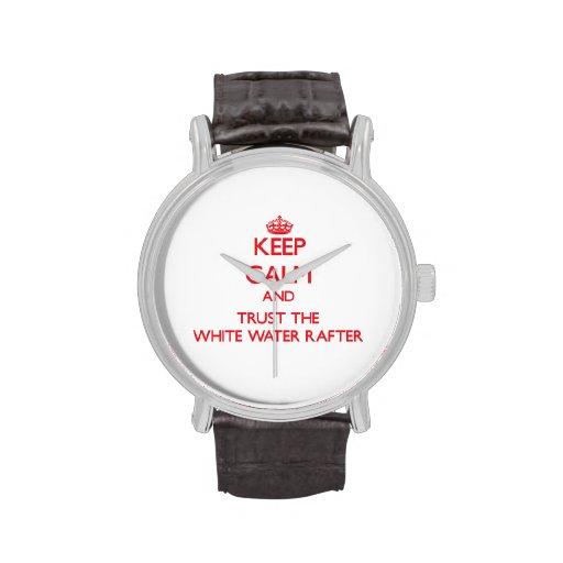Guarde la calma y confíe en el viga del agua blanc reloj