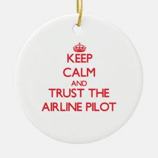 Guarde la calma y confíe en la línea aérea ornamento para reyes magos