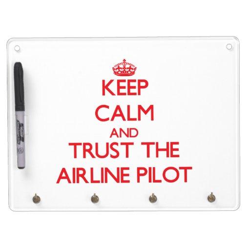 Guarde la calma y confíe en la línea aérea pizarras blancas