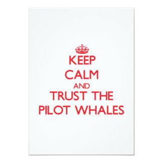 Guarde la calma y confíe en las ballenas invitación personalizada