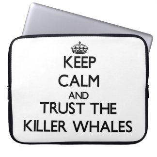 Guarde la calma y confíe en las orcas manga portátil