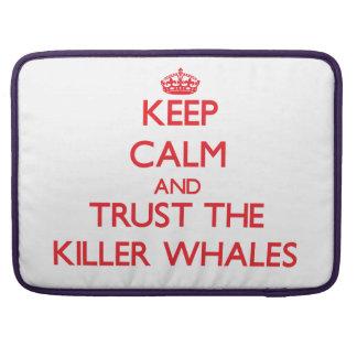 Guarde la calma y confíe en las orcas fundas para macbook pro