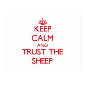 Guarde la calma y confíe en las ovejas tarjetas de visita grandes
