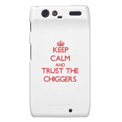 Guarde la calma y confíe en los Chiggers Droid RAZR Fundas