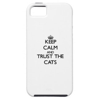 Guarde la calma y confíe en los gatos iPhone 5 cárcasas