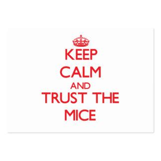 Guarde la calma y confíe en los ratones plantilla de tarjeta de negocio