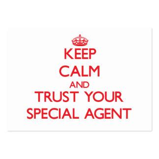 Guarde la calma y confíe en su agente especial tarjetas de visita grandes