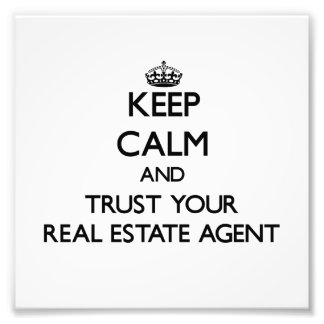 Guarde la calma y confíe en su agente inmobiliario arte fotográfico