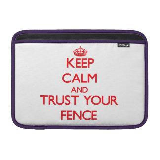 Guarde la calma y confíe en su cerca fundas MacBook