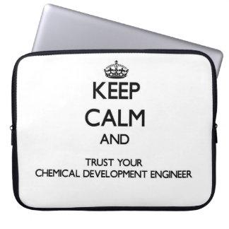 Guarde la calma y confíe en su desarrollo químico funda computadora