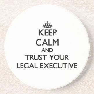 Guarde la calma y confíe en su ejecutivo legal posavasos manualidades