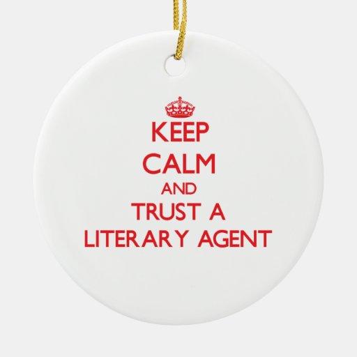 Guarde la calma y confíe en un agente literario adornos de navidad
