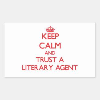 Guarde la calma y confíe en un agente literario pegatina rectangular