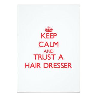 Guarde la calma y confíe en un aparador del pelo invitación 12,7 x 17,8 cm