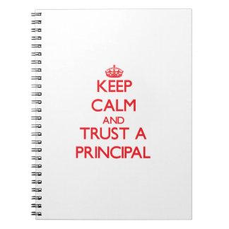 Guarde la calma y confíe en un principal spiral notebooks