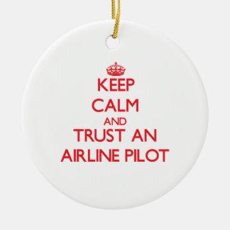 Guarde la calma y confíe en una línea aérea ornaments para arbol de navidad
