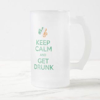 Guarde la calma y consiga la taza de cerveza