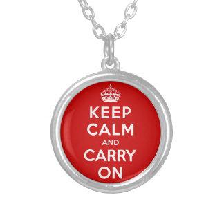 Guarde la calma y continúe pendiente personalizado
