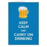 Guarde la calma y continúe el beber de humor diver felicitación