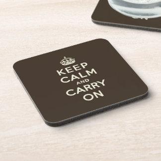 Guarde la calma y continúe el chocolate oscuro, te posavaso
