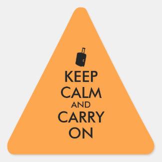Guarde la calma y continúe el personalizado del pegatina triangular