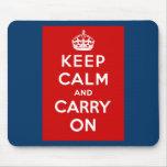 Guarde la calma y continúe el poster británico en  tapete de ratones