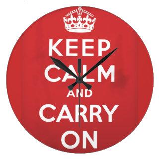 guarde la calma y continúe el poster del viaje reloj redondo grande