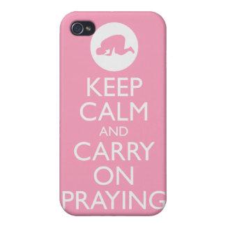 """¡""""Guarde la calma y continúe el rogar"""" de rosa! iPhone 4 Cárcasa"""
