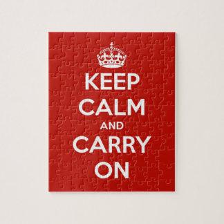 Guarde la calma y continúe el rompecabezas rojo