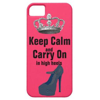 Guarde la calma y continúe en zapatos del tacón funda para iPhone 5 barely there