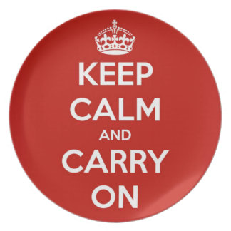 Guarde la calma y continúe la placa roja del fiest plato