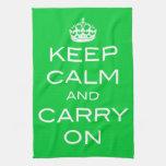Guarde la calma y continúe - la toalla de plato de