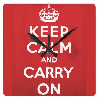 Guarde la calma y continúe reloj cuadrado