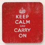 Guarde la calma y continúe, rojo del vintage y bla posavasos