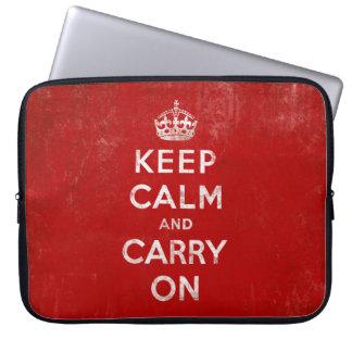 Guarde la calma y continúe, rojo del vintage y fundas portátiles