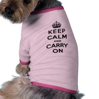 Guarde la calma y continúe camiseta con mangas para perro