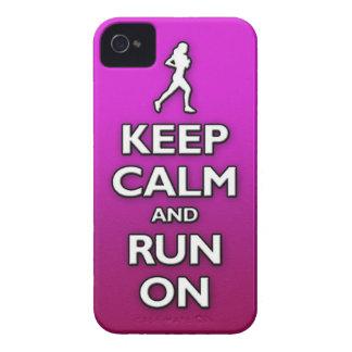 GUARDE la calma y corra encendido iPhone 4 Carcasas