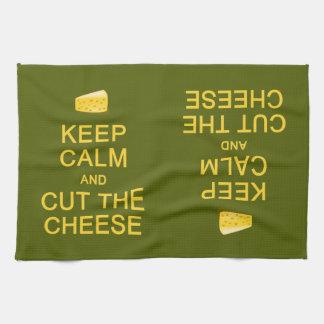 Guarde la calma y corte las toallas de cocina de e